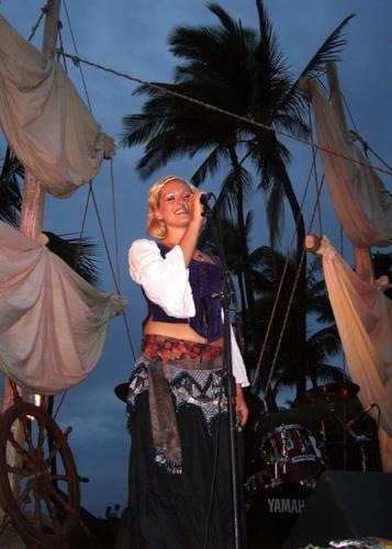 Maui music party